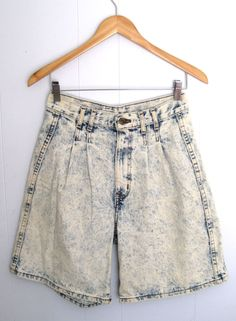 "Vintage 80's Light Acid Wash High Waisted Denim Mom Jean Pleated Culottes 28"" #Chic #Denim #momshorts"