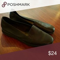 NWOT Aerosoles A2 flats size 10 . AEROSOLES Shoes Flats & Loafers