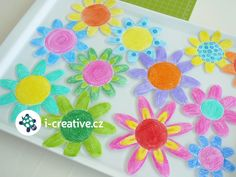 Activities For Kids, Crafts For Kids, Flower Crafts, Spring Flowers, Kids And Parenting, Plastic Cutting Board, Tableware, Creative, Inspiration