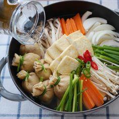 두부버섯전골 (Tofu Mushroom Hot Pot)