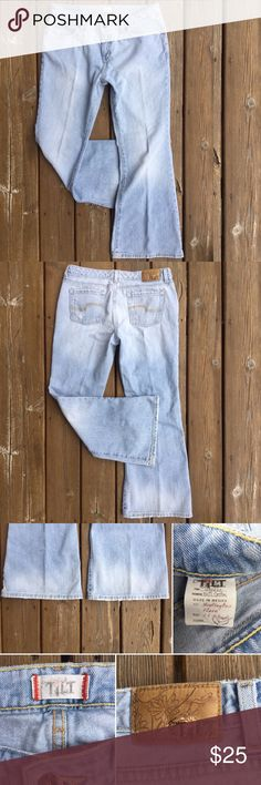 """TILT """"Huntington Flare"""" Midrise Jeans Sz 11 These are really excellent light faded wash, flare jeans w/light distressing. For those of us who love the old school wear of 100% cotton, these are for you. 5 Pocket styling. Zip fly w/button closure.  App. Meas. - Waist: 17"""" from side to side; Front Rise: 9""""; Back Rise: 13""""; Inseam: 29.5""""; Leg opening at hem: 11.5"""" from side to side; Content: 100%; Sz: 11; 128J.9.23 Tilt Jeans Flare & Wide Leg"""