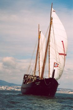 To Be Alone With You Old Sailing Ships, Us Sailing, Letter Of Marque, History Of Portugal, Portuguese Culture, Sunny Beach, Rio Grande Do Sul, Tall Ships, Boats