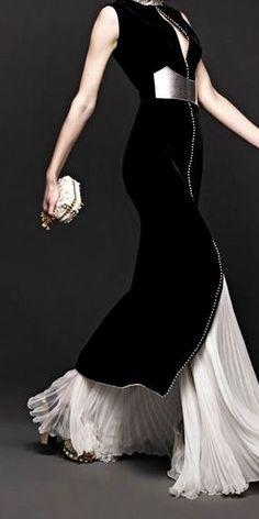1878aa3558a0 Elegant Valentino, Givenchy, Moda Fashion, Womens Fashion, Uk Fashion, Skirt  Fashion