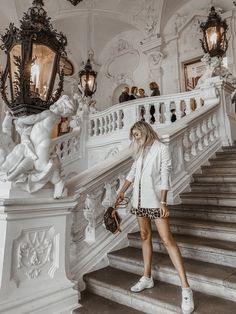 What to Pack: My Travel Outfits for Vienna September – Chiara Casiraghi – Best Europe Destinations Travel Clothes Women, Travel Outfits, Rome Outfits, Travel Packing, Travel Tips, Lightroom, September Outfits, Austria Travel, Creative Fashion Photography