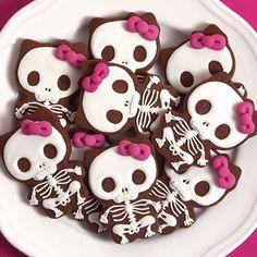 Goodbye Kitty - Estás galletas las hice hace 3 años y lo bueno que tienen es que le gustan a los fans de Hello Kitty y a los que no la soportan  #halloween #galletasdecoradas #decoratedcookies #halloween #hellokitty #goodbyekitty
