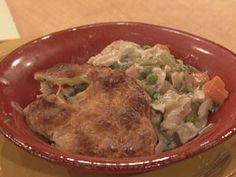 Chicken Pot, Chicken Pot, Chicken Pot Pie! by Rachel Ray (Yes, now the picture came up. NOTE: for me the video paused near the end, but it did start back up a bit it later. No problem if it doesn't.)