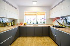 #Ukitchen #Ushapedkitchen #modernkitchen #kitchendesign #kitchenfurniture #kitchenideas #KUXAstudio #KUXA #KUXAkitchen #bucatariemoderna #bucatarieU Cutwork Blouse Designs, U Shaped Kitchen, Kitchen Cabinets, Furniture, Studio, Architecture, Home Decor, U Shape Kitchen, Arquitetura