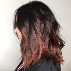 Un balayage cuivré sur cheveux bruns