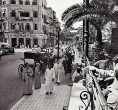 Typical City Street Scene From Shepheard's Terrace - Cairo In 1942 Shepheard's Hotel, Grand Hotel, Old Egypt, Cairo Egypt, Modern Egypt, Outdoor Photos, Urban Life, Old Pictures, Vintage Pictures