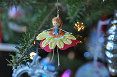 Fairy #ornament via Lifeovereasy http://lifeovereasy.com/ #DIY #Christmas