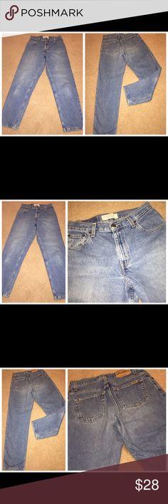 Levi's Comfy relaxed fit cotton denim jeans, Sz 6M 081317-27 drnerds  Levi Strauss relaxed fit cotton denim jeans, Sz 6M   Levi Strauss relaxed fit 100% cotton denim jeans w/ slightly tapered leg, Sz 6M  Waist - 28 Inseam - 29 Levi's Jeans