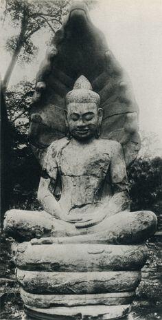 Cambodian architecture and sculpture Title: Christopher Middleton Lotus Buddha, Art Buddha, Buddha Zen, Buddha Buddhism, Buddhist Art, Machu Picchu, Monuments, Mudras, Asia