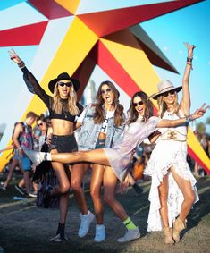 Day 2️⃣ get into the groove ✴️🔆🌅⭐️✨ #festival