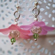 """Paire de boucles d'oreille """"fleur"""" dans les tons de rose"""
