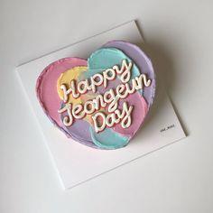 Pretty Birthday Cakes, Pretty Cakes, Cute Cakes, Birthday Surprises For Him, Korean Cake, Pastel Cakes, Aesthetic Food, Delicious Desserts, Cake Decorating