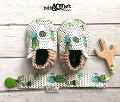 Baby set - pacifier clip+baby moccasins + wooden cactus | Dummy Clip | Soother Clip | binky clip + wooden toy |  prewalkshoes | baby bootie by BabyBOOArt on Etsy https://www.etsy.com/listing/515897663/baby-set-pacifier-clipbaby-moccasins