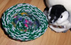 Want to help knit a nest for baby birds that have fallen out of their nests?  Pattern is here...  Wildlife Rescue Nests