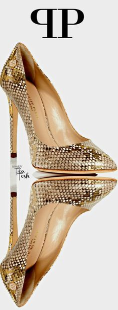 Would combine well with anything really. - Shoes New Style - Luxury Shoes - Shoes New Style - Luxury Shoes Zapatos Shoes, Shoes Heels, Pumps, Gold Heels, Cute Shoes, Me Too Shoes, Talons Sexy, All About Shoes, Luxury Shoes