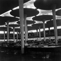 Frank Lloyd Wright architecture for SC Johnson. Photograph by Jack Loftus, The Frank Lloyd Wright Foundation Archives (The Museum of Modern Art Organic Architecture, Classical Architecture, Amazing Architecture, Art And Architecture, Architecture Details, Johnson Wax, Architecture Foundation, Frank Lloyd Wright Buildings, Vintage Interiors