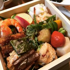 今シーズン最後のお弁当��圧巻です! #幸せな時間 #happylife #happyfood #delicious #美味しい#japan #tokyo #kyoto #日本#東京#京都#japanesefood #japanesecuisine #和食#日本料理#お弁当#bento #茶福箱#井政#京料理#はも#鱧料理 http://w3food.com/ipost/1523298073718081043/?code=BUj14b7AMYT