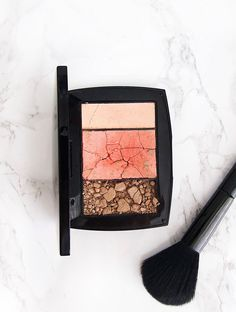 Is it possible to fix broken makeup? The answer is yes. You will need one ingredient to save your favorite powdered product. Here's how to fix broken makeup. #howto #makeup