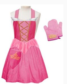 sleeping beauty apron---for when my oldest daughter finally learns how to cook. Disney Princess Aprons, Disney Aprons, Disney Dress Up, Princess Aurora Dress, Dress Up Aprons, Cute Aprons, Dress Up Outfits, Sewing For Kids, Baby Sewing