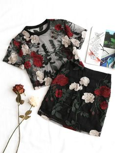 Cool Summer Floral Embroidery Mesh Crop Top and Short pc Set – Sofia Orácio Cool Summer Floral Embroidery Mesh Crop Top and Short pc Set Cool Summer Stylish Mesh Fashion-Floral Embroidery Mesh Blouse With Pencil Skirt Set Crop Top And Shorts, Blouse And Skirt, Crop Tops, Tule Skirt Outfit, Work Blouse, Look Fashion, Trendy Fashion, Fashion Outfits, 20s Outfits
