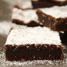 Nutella cake with two ingredients - Kuchen Rezepte Bean Brownies, Fudge Brownies, Nutella Brownies, Nutella Recipes, Brownie Recipes, Gluten Free Brownies, Small Cake, Ice Cream Recipes, Baking Recipes
