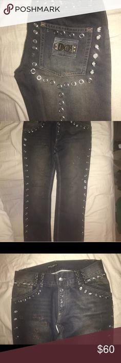 Dolce and Gabbana jeans In good condition Dolce and Gabbana jeans missing a few jewels and zipper is off track but all in all good pair.of designer jeans Dolce & Gabbana Jeans Slim Straight