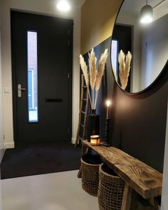 Foyer decorating – Home Decor Decorating Ideas Interior Design Living Room, Living Room Decor, Home Interior, Flur Design, Hall Design, Design Design, Design Ideas, Small Hallways, Small Staircase
