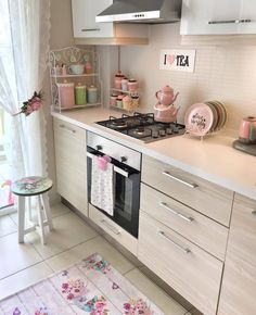 Stunning small kitchen ideas that will make your home look fantastic 27 Kitchen Room Design, Home Decor Kitchen, Interior Design Living Room, Kitchen Furniture, Kitchen Ideas, Kitchen Remodel, Sweet Home, House Design, Outdoor Games