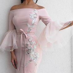 حبييت حركه الأكماام التل معا اللؤلو كيووت واللوون الوردي معا الورود الفضي يجننن 💎 💗💗 . . . . #fashion #dress#style #stylish#herstyle #blogger#instafashion#girl#fashionblogger #details#فاشن#موضه #اناقه #ازياء #nouf_fashion #Beautiful#فساتين_سهره#تنسيقات #dress #instafashion#jimmychoo#designer #WorldOfFashion2 #brida #zara#luxury#accesorios #nyc#kyliejenner#bag#makeub#fashionpost
