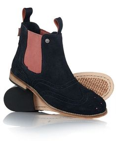 Shoe Buying Considerations For Experts And Novices * Find out more at the image link. #shoestrend
