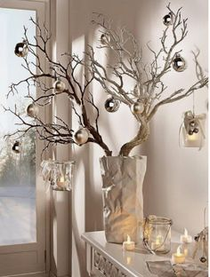 These 20 DIY home decorating ideas with spray cans bring color to .- Diese 20 DIY Wohndeko-Ideen mit Spraydosen bringen Farbe in dein Leben! DIY home decor ideas with spray cans, sprinkle branches, fall decoration, winter decoration for Christmas -