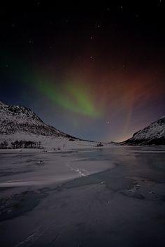 Aurora by Dave Appleby (dave_apple) via Flickr.
