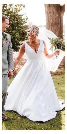 Aline Wedding Dress Lace, Plus Size Wedding Gowns, Sweetheart Wedding Dress, Rustic Wedding Dresses, Wedding Dress Sleeves, Best Wedding Dresses, Bridal Dresses, Plus Size Dresses, Wedding Bride