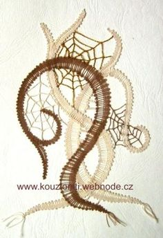 Lace Heart, Lace Jewelry, Lace Making, Bobbin Lace, Lace Flowers, Lace Detail, Knots, Butterfly, How To Make