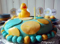 Pikkuunen: Synttäritarjottavien reseptit Lassi, Cake, Desserts, Food, Tailgate Desserts, Deserts, Food Cakes, Eten, Cakes
