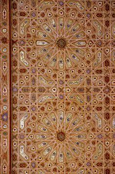 Geometric Ceiling Decoration, Mausoleum of Moulay Ismail. Ceiling Decor, Ceiling Design, Islamic Architecture, Art And Architecture, Arabesque, Islamic Art Pattern, Persian Motifs, Moroccan Design, Antique Doors