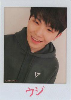 Woozi is so happyyyyyy! Seventeen Performance Team, Seventeen Leader, Seventeen Wonwoo, Seventeen Debut, Vernon Chwe, Le Talent, Won Woo, Lee Jihoon, Seventeen Wallpapers