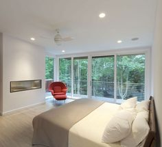 Residence Design Concept in Interior and Exterior: Comfortable Bedroom Design In Berkshire Pond House Interior Decorated With Minimalist Mod...