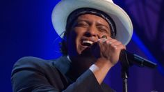 Ughhh well done as always Bruno. - Bruno Mars sings 'So Lonely' and 'Message in a Bottle' at Kennedy Center Honors 2014 (VIDEO)