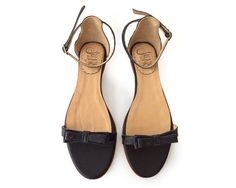 Matilda Black Leather flat sandal in black Made by QuieroJune