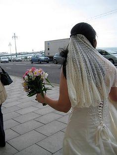 Knitted wedding veil found on Ravelry.com, user Tonks. Great idea: I would prefer to see something similar done in a very ghostly mohair.....