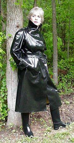 Raincoats For Women London Product Black Raincoat, Pvc Raincoat, Plastic Raincoat, Hooded Raincoat, Mackintosh Raincoat, Black Mac, Equestrian Chic, Rubber Raincoats, Rain Gear