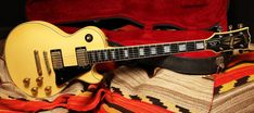These custom gibson guitars are stunning! Gibson Guitars, Fender Guitars, Bass Guitars, Electric Guitars, Fender Stratocaster, Epiphone, Guitar Amp, Cool Guitar, Jim Morrison Movie