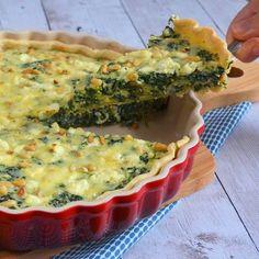 Voor de liefhebbers van spinazie maakte ik deze spinazie feta quiche. Zelfs als je geen liefhebber bent zul je deze quiche zeker lekker vinden!