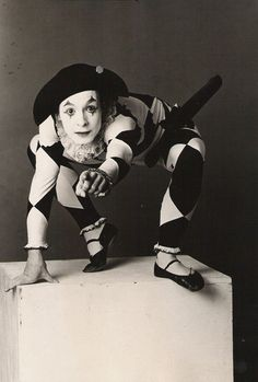 When you think of a mime you usually think of the person in the box with black and white makeup [Kind of like this picture]. Joker, Mime Marceau, Marcel Marceau, Black N White Images, Black And White, Steampunk Circus, Art Du Cirque, Pierrot Clown, Samuel Beckett