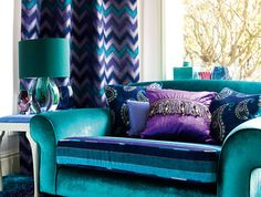 Home Decoration Ideas For Engagement The analogous design of this space uses such a large proportion of cool colors that the light coming into the space appears very warm. Room Color Schemes, Room Colors, House Colors, Peacock Room, Peacock Decor, Peacock Colors, Living Room Decor Purple, Bedroom Decor, Salons Violet