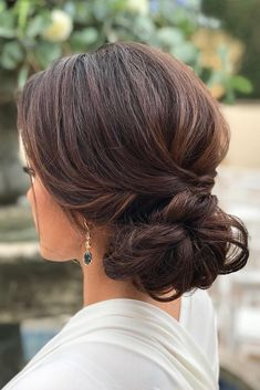 Timeless Classical Wedding Hairstyles ❤ See more: http://www.weddingforward.com/classical-wedding-hairstyles/ #weddingforward #bride #bridal #wedding